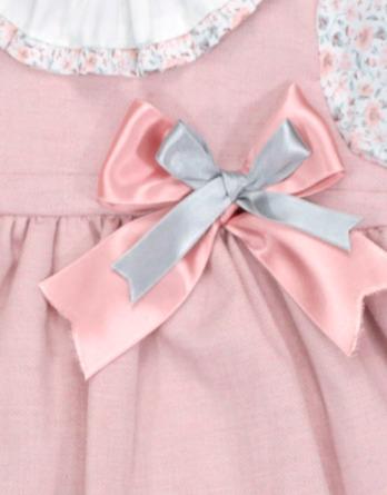 Jesusito de bebé niña vestir flores rosa maquillaje